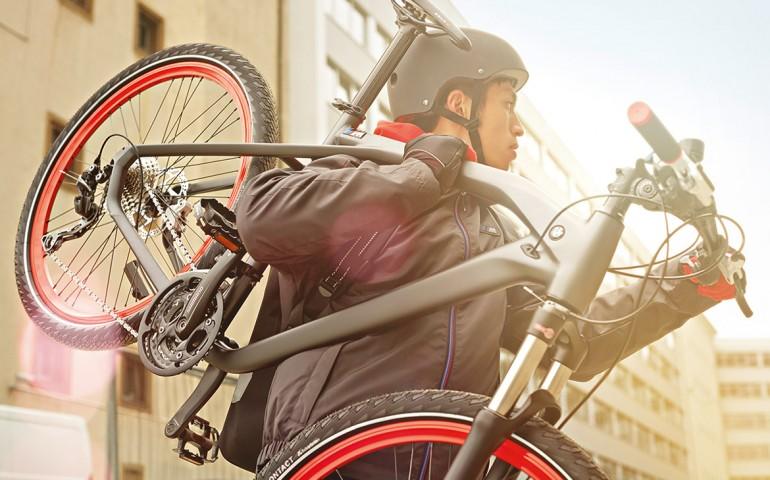 P90144103_highRes_bmw-cruise-m-bike-20