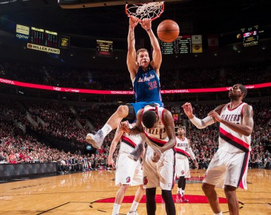 PORTLAND, OR - DECEMBER 26:  Blake Griffin #32 of the Los Angeles Clippers dunks the ball against the Portland Trail Blazers on December 26, 2013 at the Moda Center Arena in Portland, Oregon. NOTE TO USER: User expressly acknowledges and agrees that, by downloading and or using this photograph, user is consenting to the terms and conditions of the Getty Images License Agreement. Mandatory Copyright Notice: Copyright 2013 NBAE (Photo by Sam Forencich/NBAE via Getty Images)