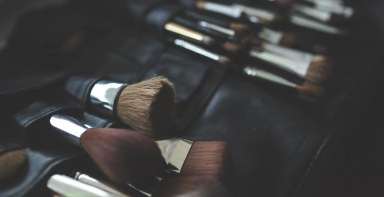 brush-makeup-make-up-brushes