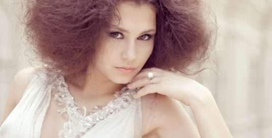 How to wash and style curly hair