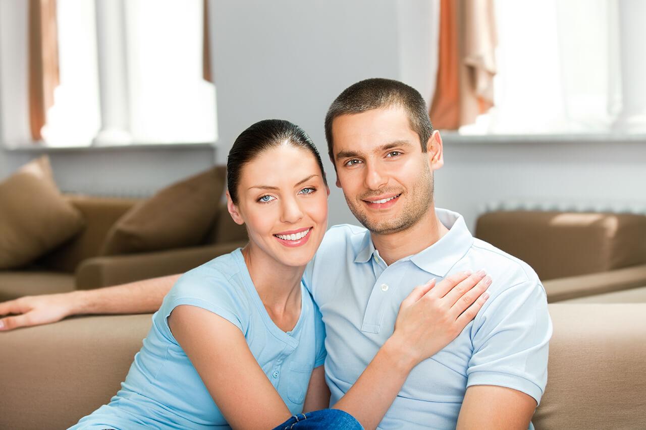 Молодая пара муж и жена — 1