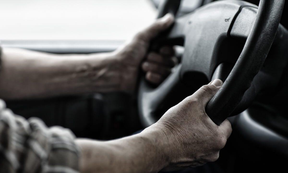 12 Tips To Help Drivers Stay Awake Longer.