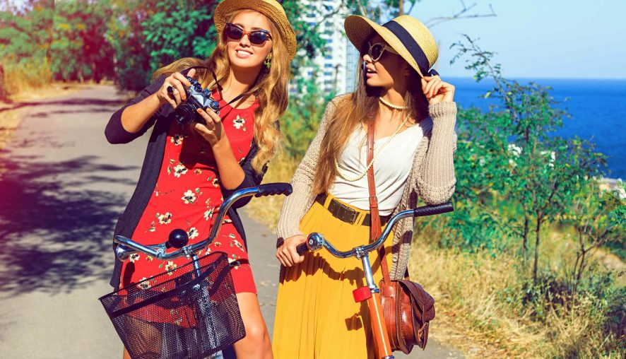 Share Our Fashion Tips With Your Friends!