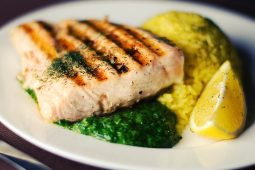 Try Nigella Lawson's easily elegant  chicken and pea traybake